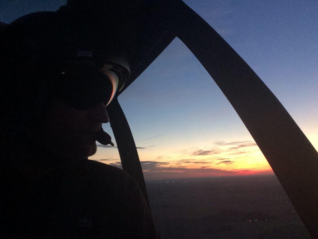 Flying school - Night flying - Mont Blanc Hélicoptères Bretagne
